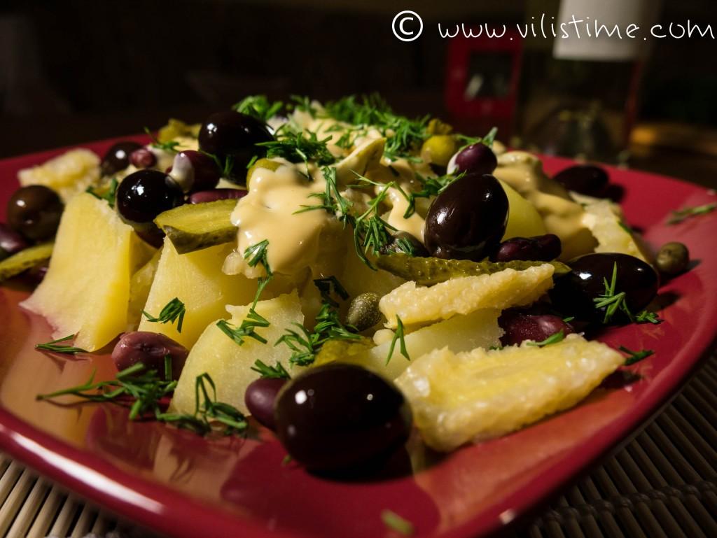 Любимите варени картофи с каперси и горчица