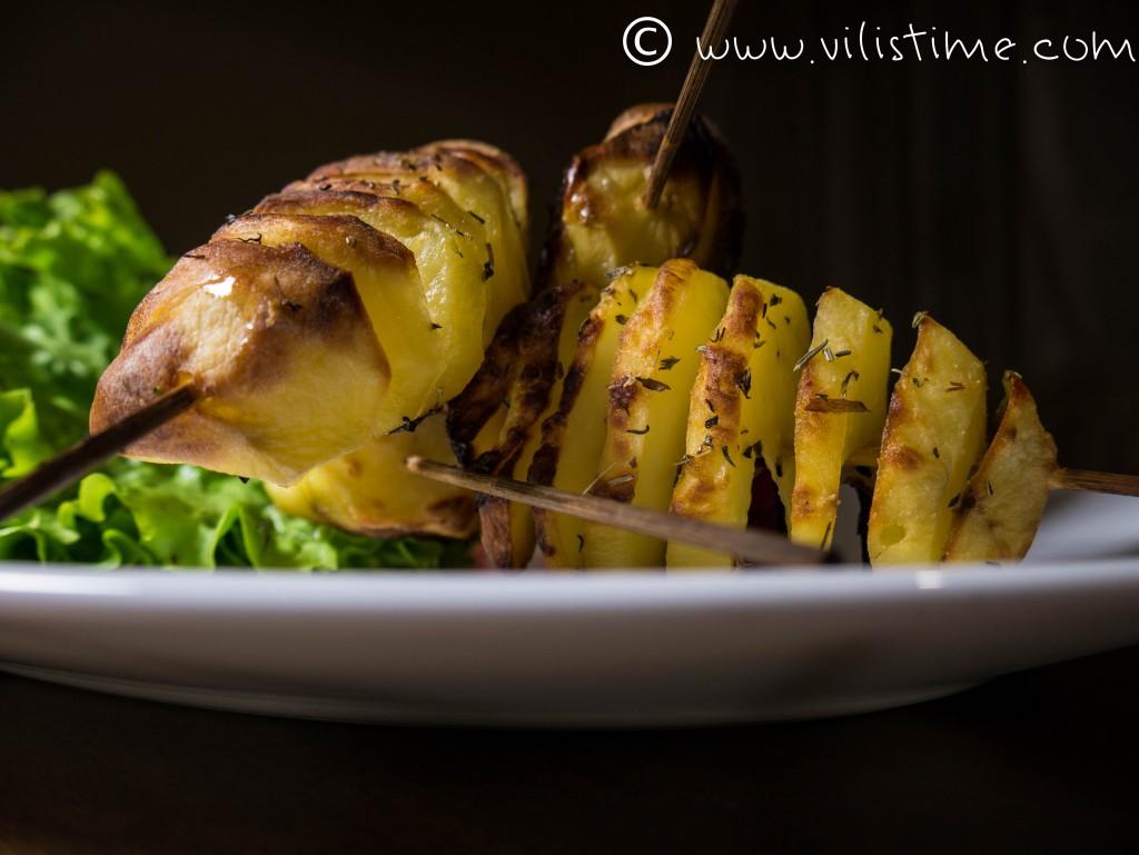 Печени картофи на шиш
