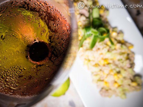 Салата от киноа риба тон и царевица