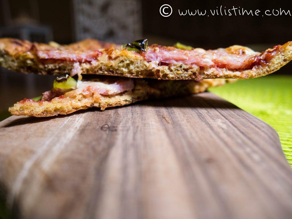 Най-вкусната и бърза пица с брашно от лимец и семена
