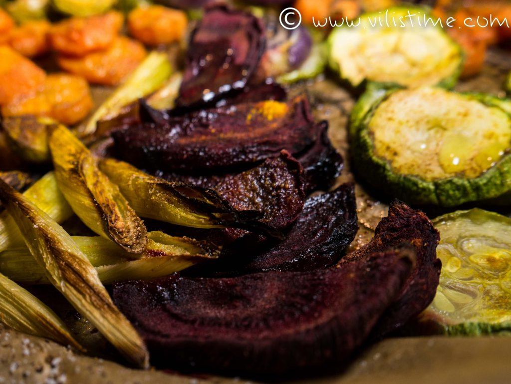 Печени зеленчуци с куркума, чесън и соев сос