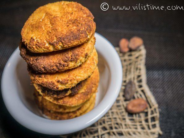 Кокосови бисквитки с крема сирене и мака