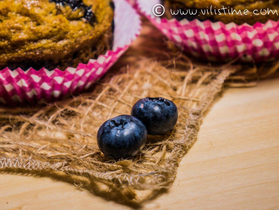 Нисковъглехидратни мъфини с пресни боровинки