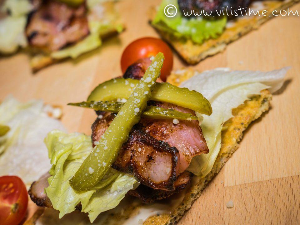 Хрупкави кето сандвичи със запечен бекон