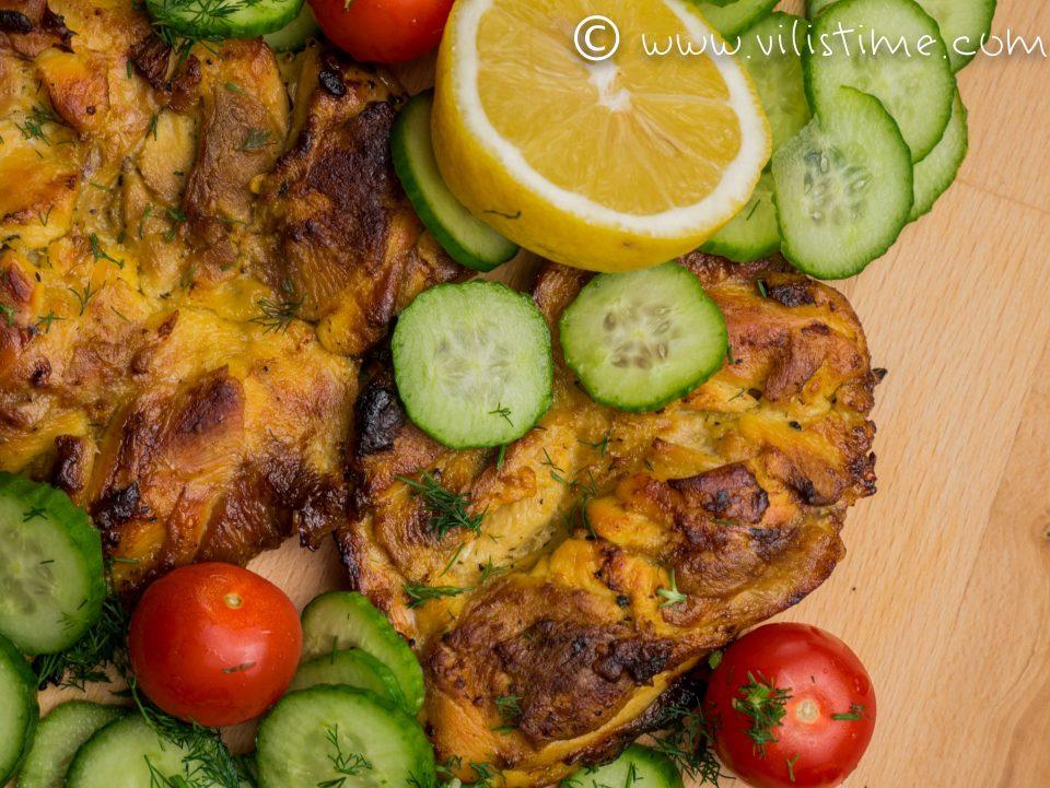 Бруталните пилешки пържоли от бут на фурна