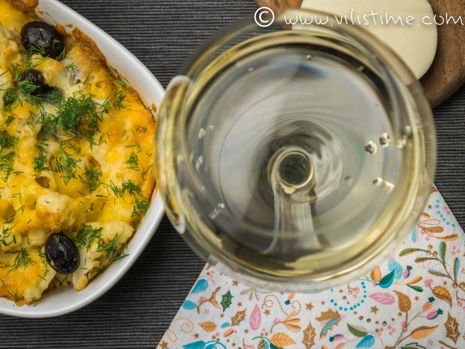 Карфиол на фурна с италианска моцарела, чедър и маслини
