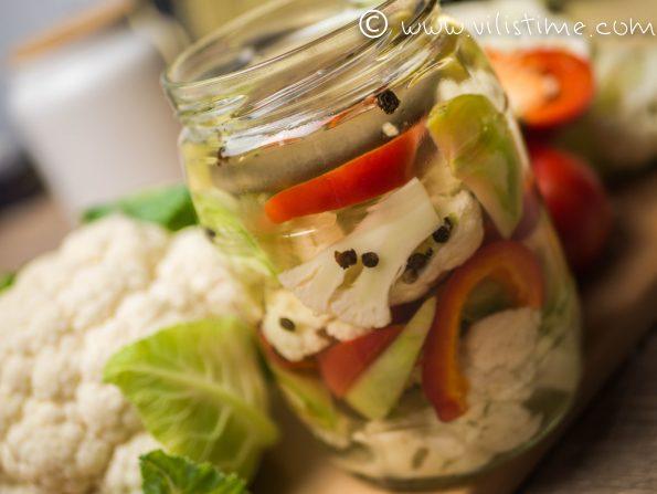 Дива ферментация на карфиол и зелен домат