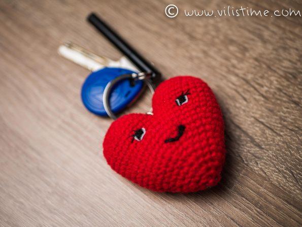 """Ръчно изплетен ключодържател """"Сърце"""""""