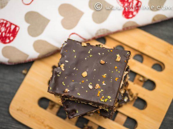 Суров шоколадов десерт без млечни и яйца