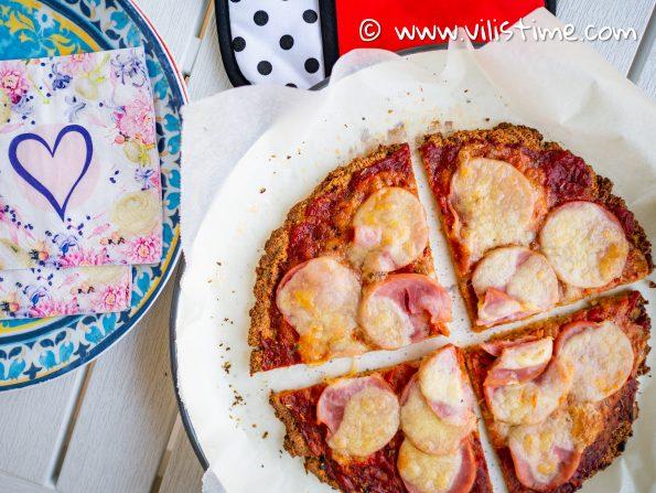 Кето пица с домашна лютеница и шунка